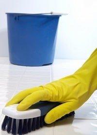 jak czyścić terakotę, czym czyścić terakotę, jak doczyścić płytki ceramiczne, czym czyścić kafelki, czego używać doczyszczenia terakoty, czym czyścić powierzchnie ceramiczne