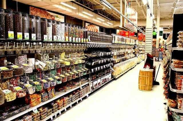 jak robić zakupy whipermarkecie, zakupy spożywcze, kupowanie wsklepie, oszczędzanie nazakupach, kupowanie wsklepach,