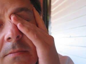 sposób nabolące oczy, piekące oczy, oczy praca przedkomputerem, bolące oczy zioła, bolące oczy okłady, bolące oczy kompresy