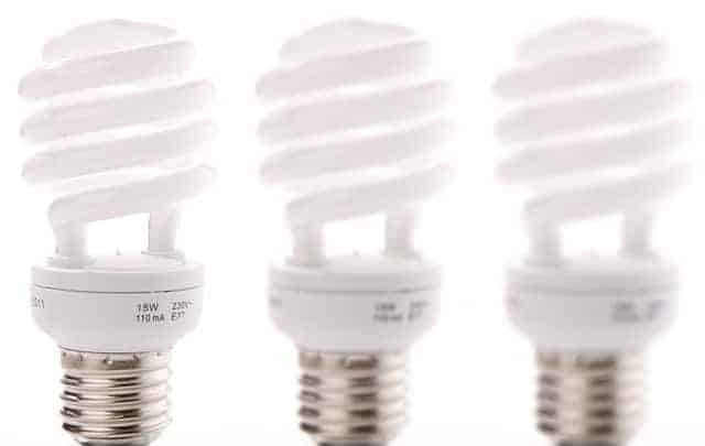oszczędzanie energii, oszczędzanie prądu, jak oszczędzić nagazie, oszczędzanie wody, obniżanie rachunków