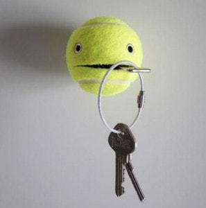 wieszak zpiłki tenisowej, piłka tenisowa diy, jak zrobić wieszak, głowa zpiłki tenisowej, wieszak zpiłki