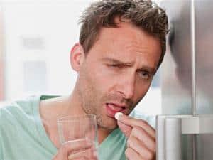 sposoby nakaca, kac objawy, kac wymioty, kac sposoby, kac jedzenie, kac alkohol, kac leki, kac ból głowy, kac ból brzucha