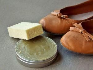 czyszczenie butów, konserwacja obuwia, trampki, buty, odnawianie, szewc