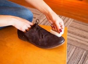 czyszczenie butów, konserwacja obuwia, zamsz, obcasy