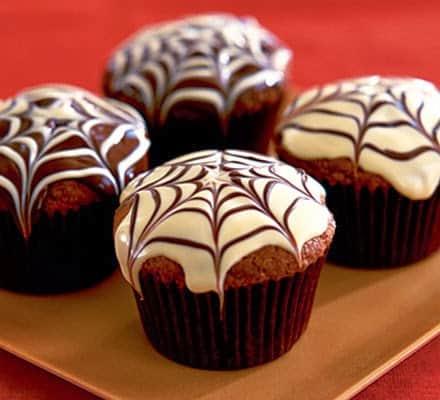 muffinki przepis, muffinki czekoladowe, muffinki zbudyniem, muffinki przepis podstawowy, jak zrobić dobre muffinki, muffinki ciasto
