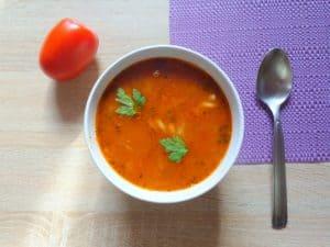 zupa pomidorowa przepis, przepis nazupę pomidorową, przepis napomidorówkę, zupa pomidorowa ześwieżych pomidorów, zupa pomidorowa zkoncentratu pomidorowego, zupa zsuszonych pomidorów, zupa pomidorowa zbiałą fasolą, zupa pomidorowa zmakaronem
