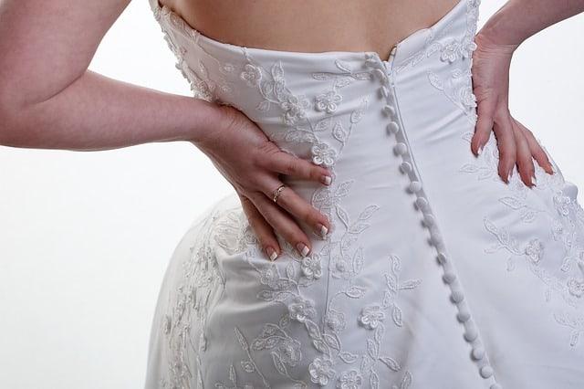 jak wybrać suknię ślubną,jak dobrać suknię ślubną, jaki krój sukni ślubnej wybrać,jak mierzyć suknię ślubną, suknia naślub