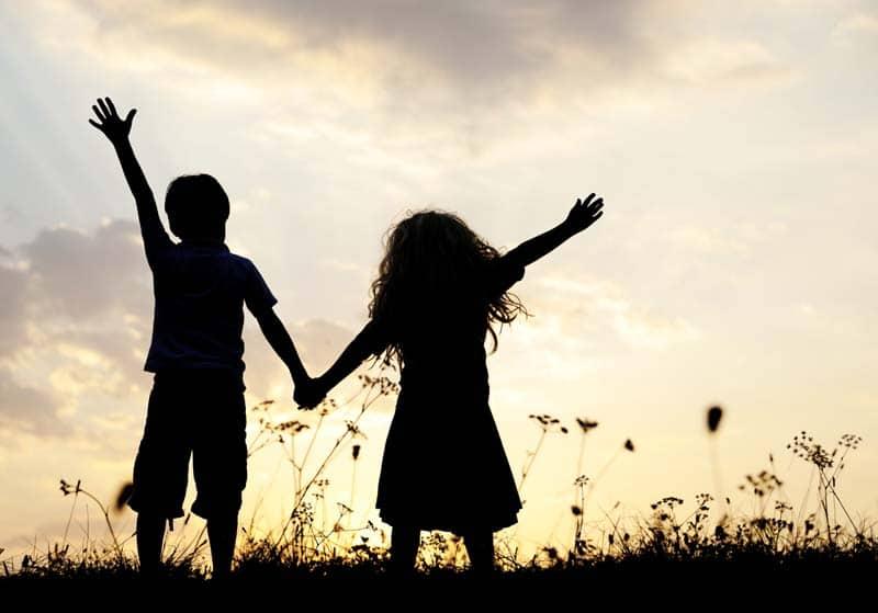 zasady przyjaźni, jak rozmawiać zprzyjaciółmi, dbanie oprzyjaźń, jak pielęgnować przyjaźń, kodeks przyjaźni, reguły przy