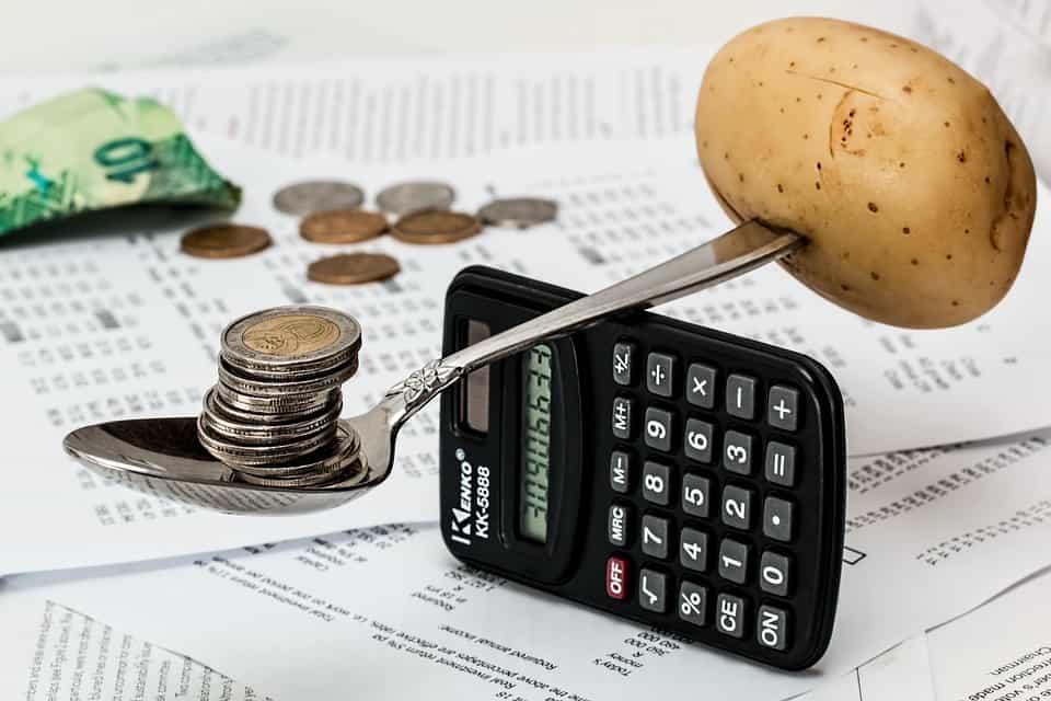 oszczędzanie najedzeniu, lista zakupów, jak zaoszczędzić wsklepie, pomysły naoszczędzanie najedzeniu wdomu, planowanie posiłków, jak zaoszczędzić najedzeniu