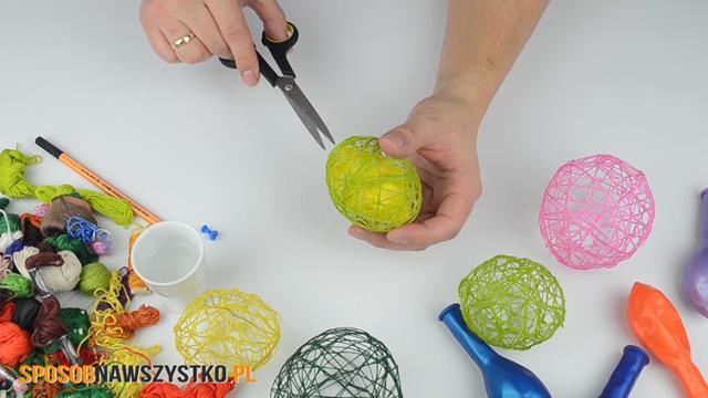 jajka znici,dekoracja nawielkanoc, jajka zmuliny, jajka zmuliny ikleju, bombki zmuliny ikrochmalu, jajka zmuliny, dekoracje wielkanocne