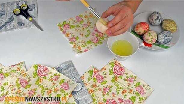pisanki decoupagedekorowanie pisanek, pisanki decoupage, pisanki dekupaż, jak zrobić pisanki decoupage, robienie jajek decoupage,