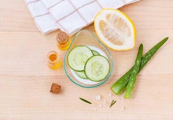 jak zrobić tonik dotwarzy, ogórkowy tonik dotwarzy, jak zrobić tonik dotwarzy zogórka, naturalny tonik doskóry, jak zrobić ogórkowy tonik dotwarzy