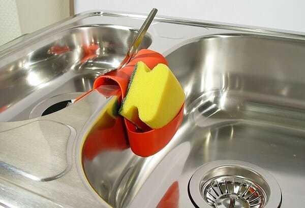 czyszczenie zlewu, czyszczenie cytryną, jak czyścić zlew cytryną, usuwanie kamienia