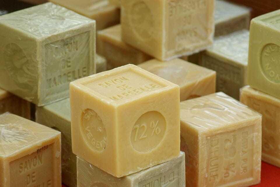 mydło szare, mydło czarne, mydło syberyjskie, mydło Aleppo, mydło zastosowanie, lecznicze mydła, naturalne mydła, mydła zziół. mydła zoliwek