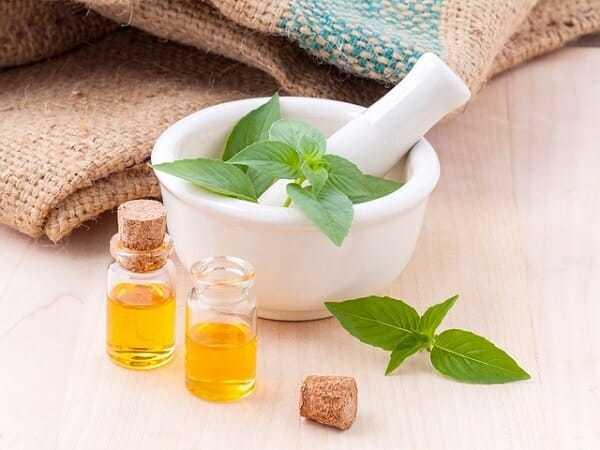 Olejki eteryczne iich nietypowe zastosowanie, olejki eteryczne, olejki waromaterapii, olejki zapachowe,