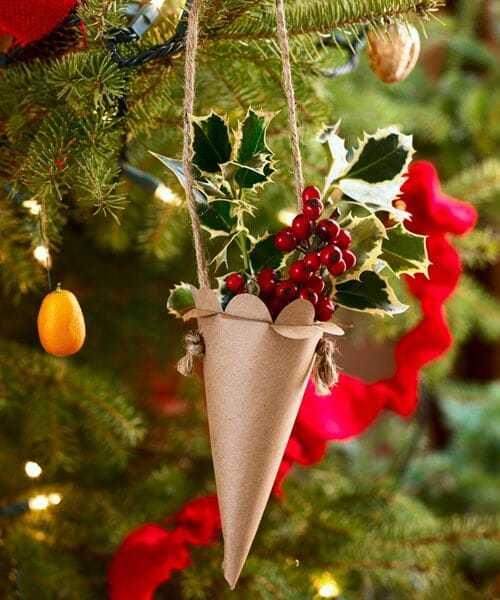 jak zrobić papierowe stożki nachoinkę, dekoracje zpapieru, świąteczne rożki,
